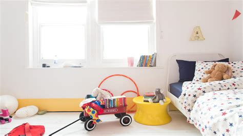 dr dulux how to make your nursery decor stand up to family dulux