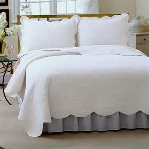 Quilt Or Coverlet White Quilted Bedspread Bing Images