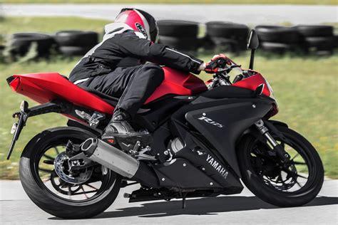 Motorrad F R A1 Kaufen by Yamaha Yzf R125 Actionfotos Motorrad Fotos Motorrad Bilder