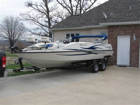 lowe deck boats for sale used lowe tahiti 224 deck boat 2008 x002422000 prizer point