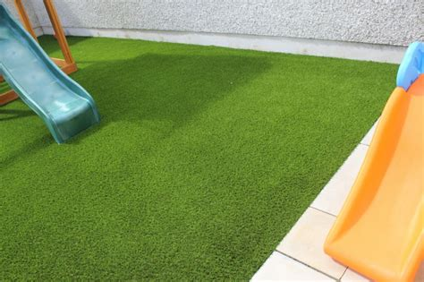 alfombra cesped decoracion de jardines con cesped artificial 50 ideas