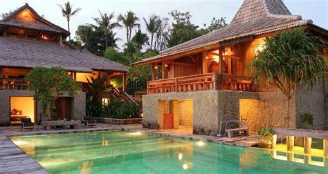 inspirasi desain arsitektur rumah adat bali yang nyaman