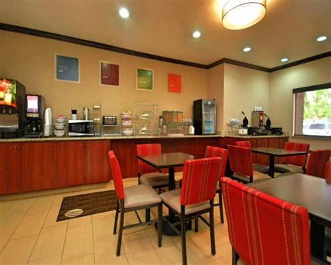 comfort inn airport albuquerque comfort inn albuquerque airport nm 2018 hotel review