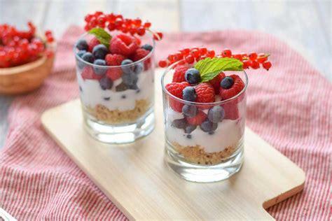 fruit and yogurt parfait fruit yogurt parfait