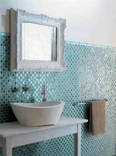 badezimmer backsplashes bad fliesen glas mosaik hellblau vintage spiegelrahmen