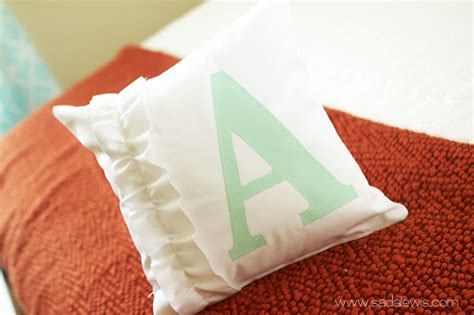 Wonderful Diy Tooth Pillow by 15 Plush And Diy Throw Pillows Ideas
