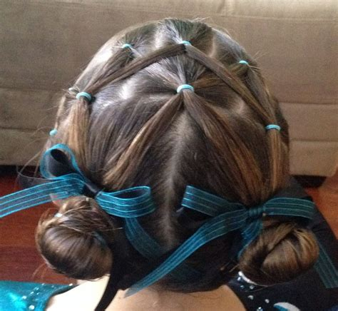 gymnastics hairstyles for fine hair 1000 images about peinados y trenzados on pinterest