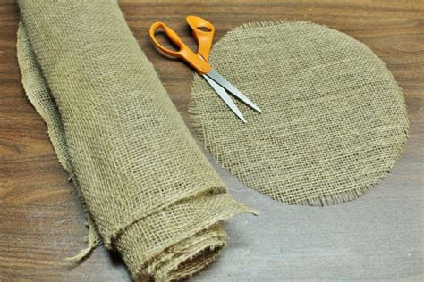 burlap placemats  creative diys tutorials