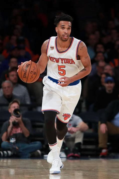 courtney lee basketball phil jackson helps teach triangle offense to this knicks