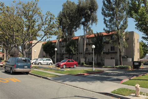 houses for rent in south gate ca pennsylvania square apartments rentals south gate ca apartments com