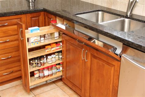 Kitchen Cabinet Hardware Ontario Canada Custom Kitchen Features Countryline Woodcraft Solid