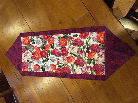 you to see 10 minute table runner by busychick3
