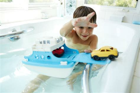toy boats for the bathtub comparing the best bath toys for babies toddlers and children baby bath time
