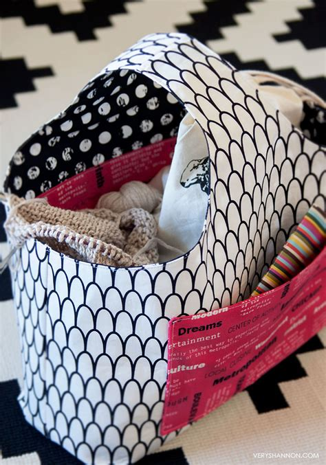 boxy tote bag pattern free pattern reversible box tote by shannon cook