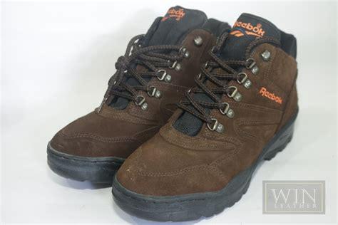 Sepatu Boot Reebok jual sepatu boot pria kulit asli dkn sp 165 reebok win