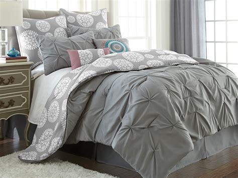 Jade Comforter Set by Advertisement
