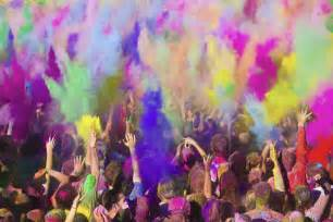 colors india travelers guide holi festival in india