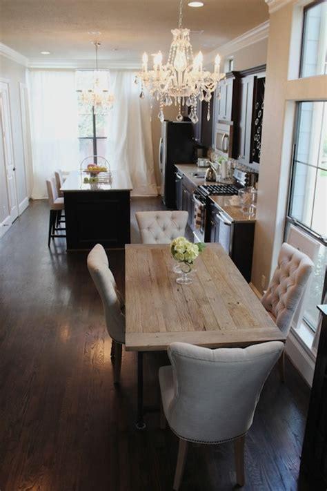 Veronika's Blushing: Long, narrow kitchen /dining room