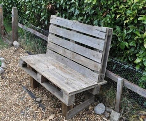 building a bench out of pallets diy pallet patio bench ideas