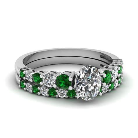Wedding Rings Emerald by Buy Emerald Wedding Ring Sets Fascinating Diamonds
