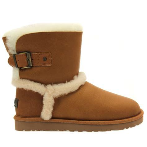 ugg australia boots buy ugg 174 australia womens vintage chestnut airehart boots