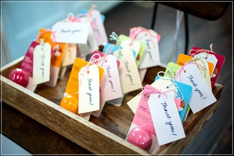 Gift For A Bridal Shower by Breathtaking Bridal Shower Gift Ideas In Classic And