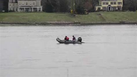 boating accident pennsylvania delaware river boat accident 2 youtube