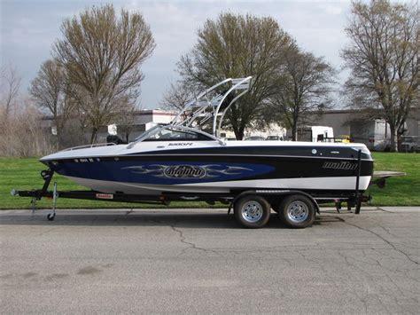 malibu boats trailers west auctions auction 2004 23 malibu luxury sport v