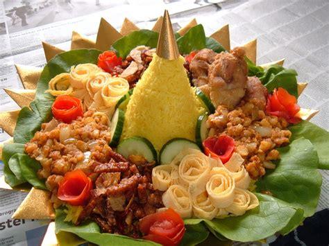 cara membuat nasi kuning lengkap cara membuat nasi tumpeng lengkap untuk acara istimewa