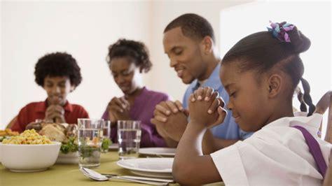 imagenes de la familia rezando gabriel salgado tiempo de alabanza