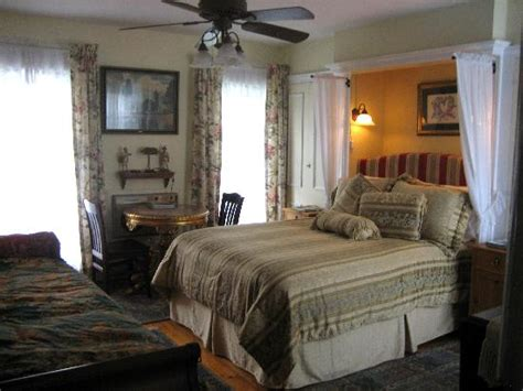 woodstock ny bed and breakfast village green bed and breakfast prices b b reviews