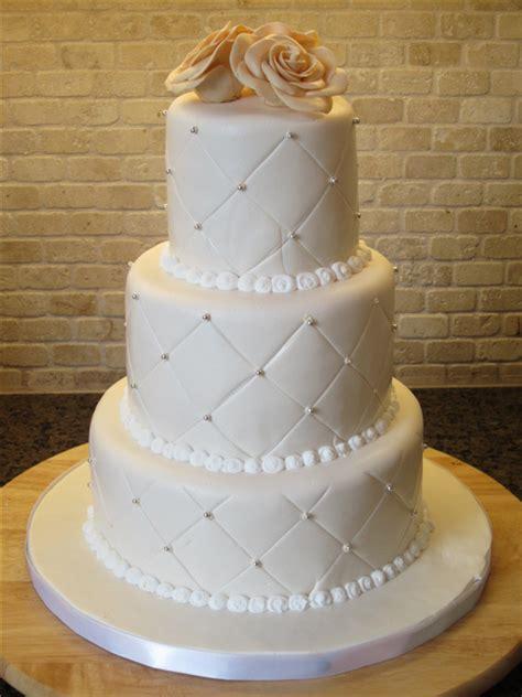 elegant  simple white wedding cakes ideas page