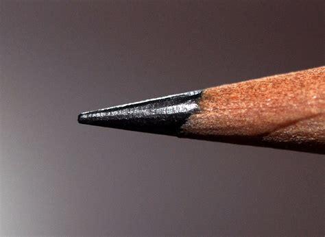 graphite pencils file closeup of pencil graphite jpg wikimedia commons