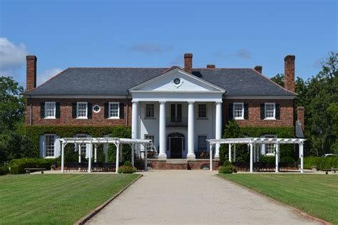 plantation homes boone hall plantation all things graceful