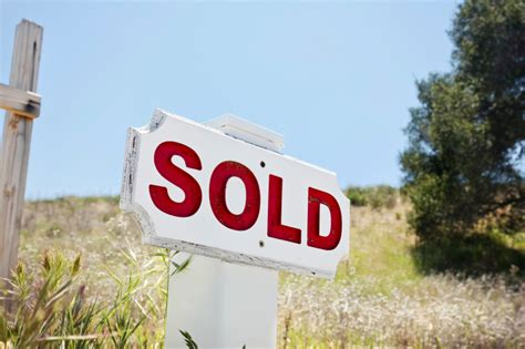 buying land and building a house 3 important considerations when buying land to build a new home on