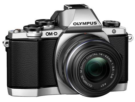 Kamera Olympus Em10 mana yang lebih baik olympus omd em 10 vs sony a6000