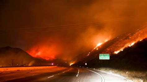 cajon pass fire blue cut fire evacuees face freeway closures and jammed