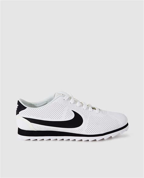 imagenes nike blancas nike zapatillas deportivas de mujer blancas con logo negro