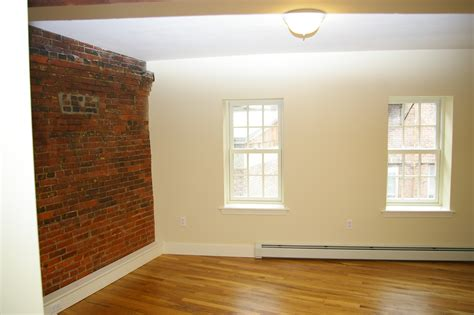 faux brick wall panels with luminate flooring to