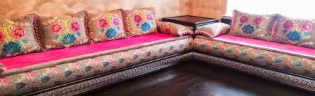 choix de tissu benchrif salon marocain traditionnel d 233 co