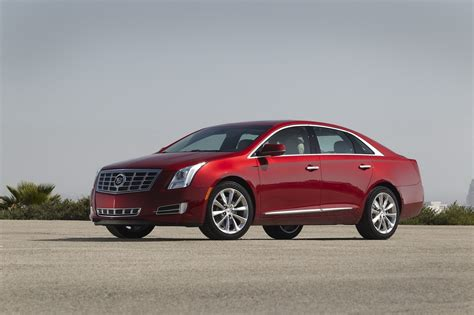 Cadillac Xts Sedan by New Pictures Of 2013 Cadillac Xts Sedan Autotribute