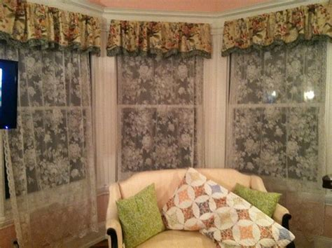 six acres bed and breakfast no blinds just lace curtains picture of six acres bed