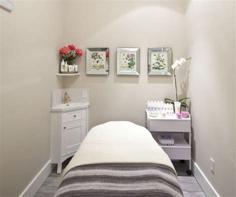 therapy room ideas bee day spa therapy room esthetician room aesthetician room