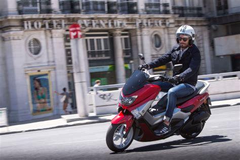 125er Motorrad Katalog 2015 by Yamaha Nmax Hightech F 252 R Low Budget Magazin Von Auto De