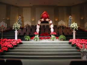 wonderful Christmas Indoor Decoration Ideas #2: christmas-wedding-ceremony-decorations.jpg