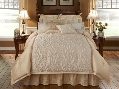 cream comforters spumante 4 pc queen comforter set cream