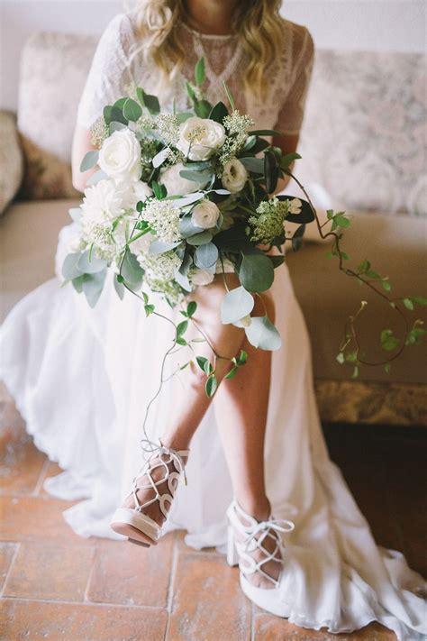 Wedding Bouquet Photos by 17 Best Ideas About Wedding Shoes On Bridal