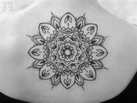 imagenes mandalas tatto 19 tatuajes de mandalas para mujeres y hombres