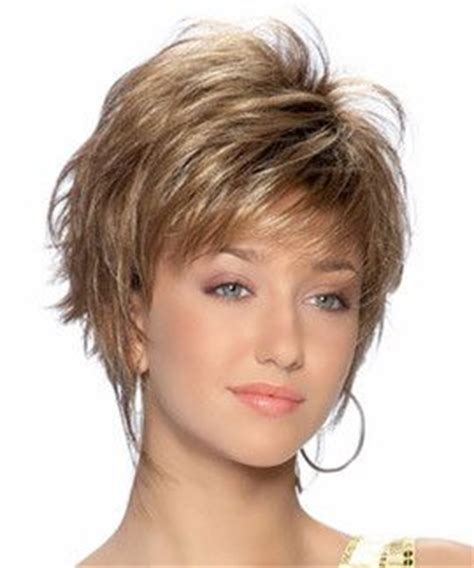 chin length wi long layers 25 best ideas about chin length hairstyles on pinterest