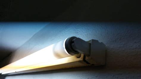 T12 Fluorescent Ls by Eol Narva Ls 40 T12 Fluorescent Burnout